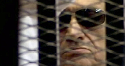 Mubarak stabilizes, but fears prison doctors are trying to kill him