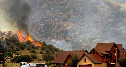 Colorado wildfire 10 percent contained, but more evacuations issued (+video)