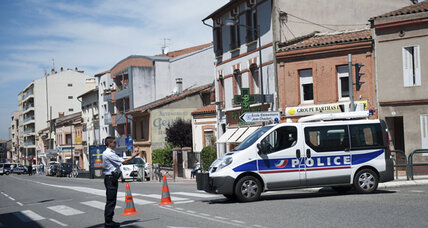 Man claiming Al Qaeda ties takes hostages in Toulouse, France