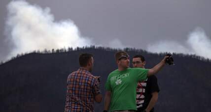Colorado Springs residents tour 'unreal' wildfire devastation (+video)