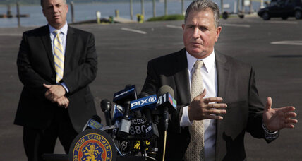 Investigators seeking cause of N.Y. yacht capsizing (+video)