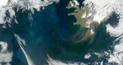 Swirling ocean prompts plankton blooms, suggests study