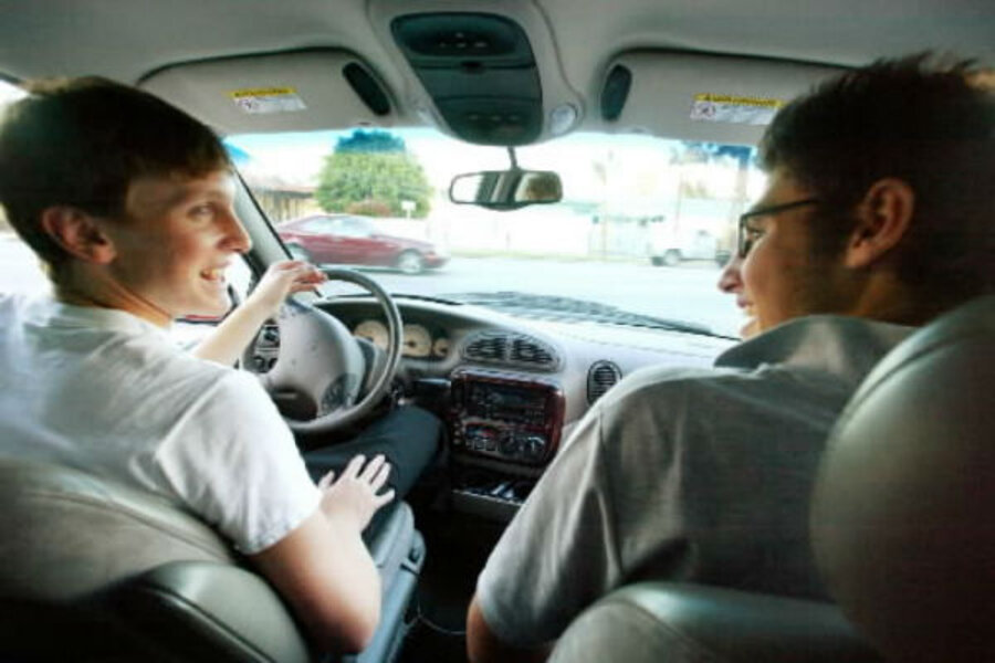 Car Transport Reviews >> Teens waiting to get drivers' licenses, prefer public ...