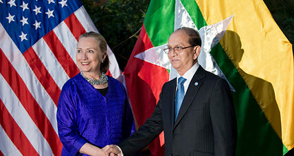 Clinton to Myanmar: Keep up the reforms