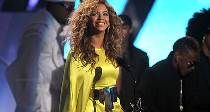 Beyonce praises Michelle Obama in new campaign ad. Will that win votes? (+video)