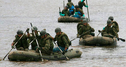 Japan's low-profile military steps up during flood rescue (+video)