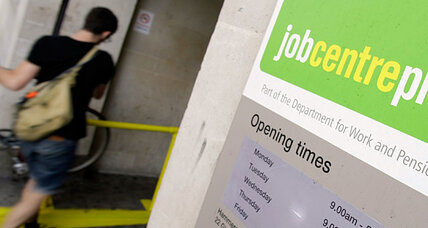Bonuses for bureaucrats who help Brits off welfare