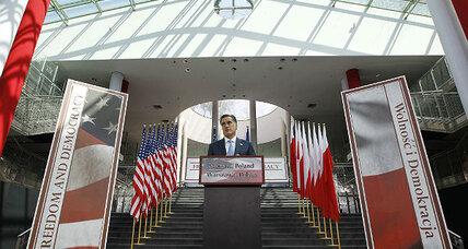 Romney's foreign trip ends on a high note in Poland