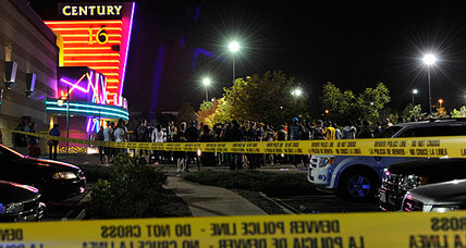 Colorado shooting at 'Dark Knight' opening leaves 12 dead (+video)