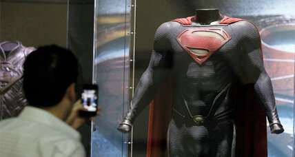 'Man of Steel' trailers shows a mix of old and new Superman