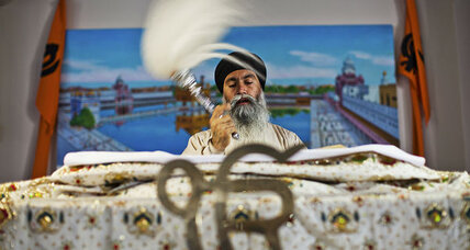 Wisconsin shooting: Why US Sikhs have feared attack for more than a decade (+video)