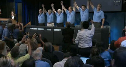 NASA showered with praise over Curiosity Mars rover landing
