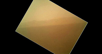 Mars: Curiosity captures its first color picture