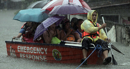 Social networks help Filipinos deal with Manila floods
