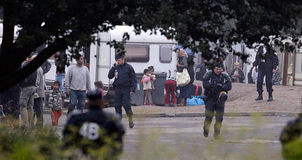 France dismantles camps, deports Gypsies