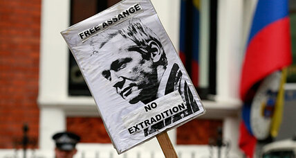 Ecuadorians rally around decision to offer asylum for Assange