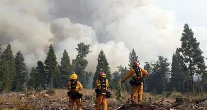 Huge wildfire reaches edge of three Calif. towns