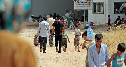 Amid squalor and fear on Turkish border, Syrians make plea for safe zone