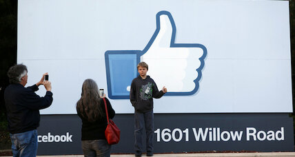 Facebook reportedly asking employees to replace iPhones with Android devices