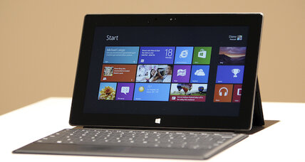 Microsoft puts a bow on Windows 8, sets official release date
