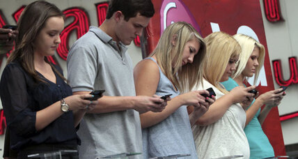 Teen sexting: Strong link to risky sexual behavior