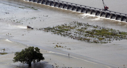 Now surge-tested, levees around New Orleans get post-Isaac inspections