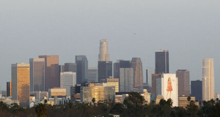 Small earthquake rocks L.A.