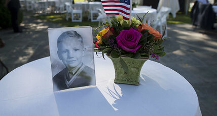 Neil Armstrong will be buried at sea