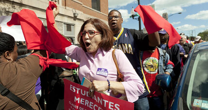 Negotiations between teachers union, Chicago School Board down to the wire
