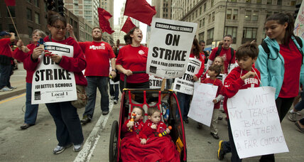 End to Chicago teacher's strike grows closer (+video)