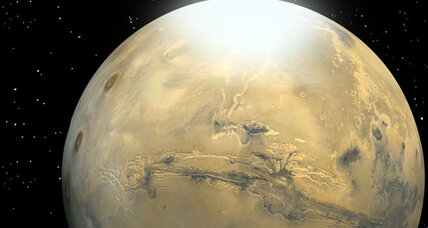 Orbiter spots 'dry ice' snowflakes falling on Red Planet
