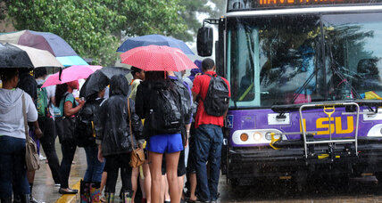 Thousands of LSU student return to dorms after bomb threat (+video)