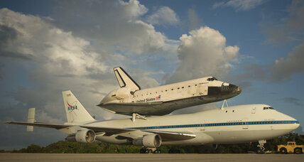 Endeavour's final flight, to a museum, grounded due to weather (+video)