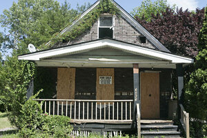 In Order To Manipulate Housing Prices, Some Real Estate Agents Will Make A  House Look Worse ...