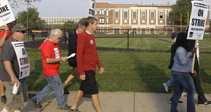 Chicago teachers to decide Tuesday whether to end strike (+video)