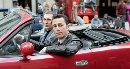 Joseph Gordon-Levitt time-travels in 'Looper': movie review