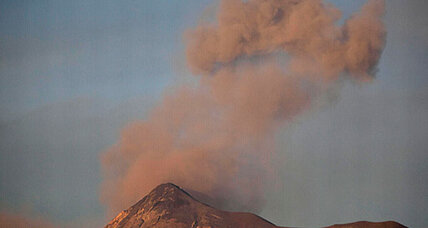 Video: Guatemala volcano forces 17 villages to be evacuated