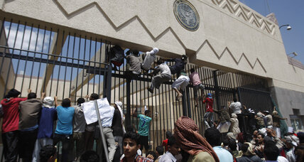 Anti-film protesters target US embassy in Yemen as Egypt protests continue