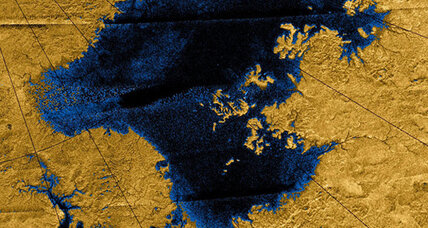 Space boat could voyage on Saturn moon Titan's lakes