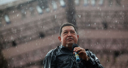 Despite rain, Chavez's final rally is packed (+video)