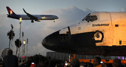 Shuttle X-ing: Endeavour spacecraft slowly winds through L.A.