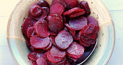 Baked beets with herbs and butter
