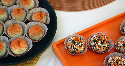 Halloween pumpkin cookie balls