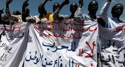 Sudanese rebels shell southern city during visit by defense minister