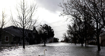 Sandy, unspent, moves toward Great Lakes. How much more rain, snow?