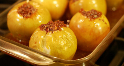 A delicious fall dessert: baked apples