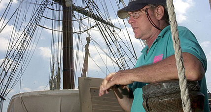 HMS Bounty: Search for missing captain continues