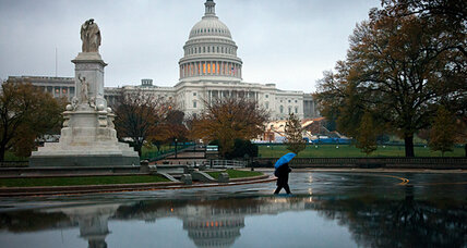 'Fiscal cliff' meets debt ceiling: Should Washington tackle both now?