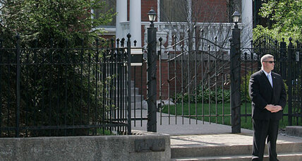 Want to be Obama's neighbor? You can for $899,000 (and a security check).