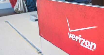 In Sandy's wake, Verizon stores offer free charging, domestic calls